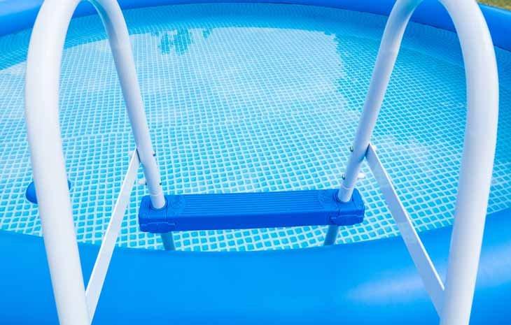 Puis-je installer une piscine sur mon balcon ?