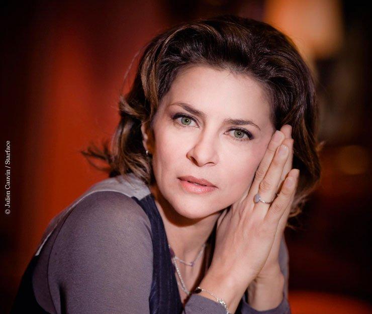 Corinne Touzet : - le notaire, ami et confident des familles