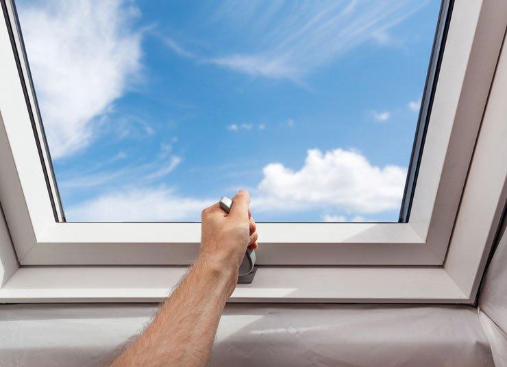 Ouvrez-vous sur l'extérieur avec des fenêtres de toit