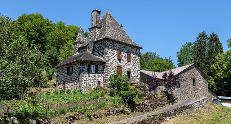 Au menu dans le Cantal - L'habitat traditionnel