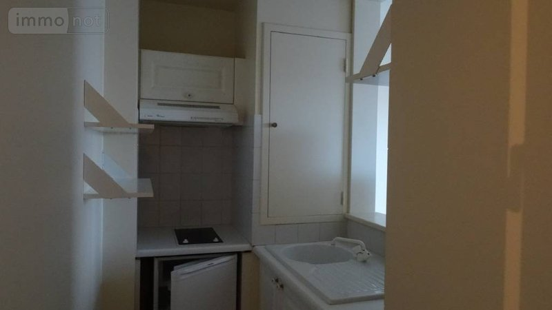 Location appartement reims 51100 marne 28 m2 1 pi ce 430 for Location appartement meuble reims