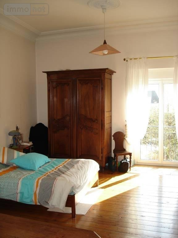 maison vendre vannes 56000 morbihan 7 pi ces 140 m2. Black Bedroom Furniture Sets. Home Design Ideas