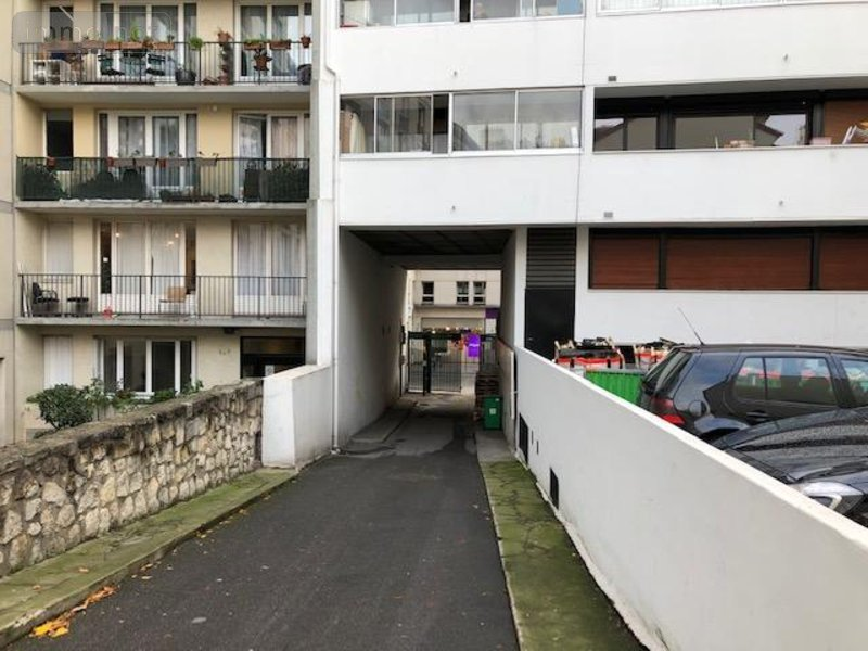 garage parking vendre paris 11 12 m2 37520 euros. Black Bedroom Furniture Sets. Home Design Ideas