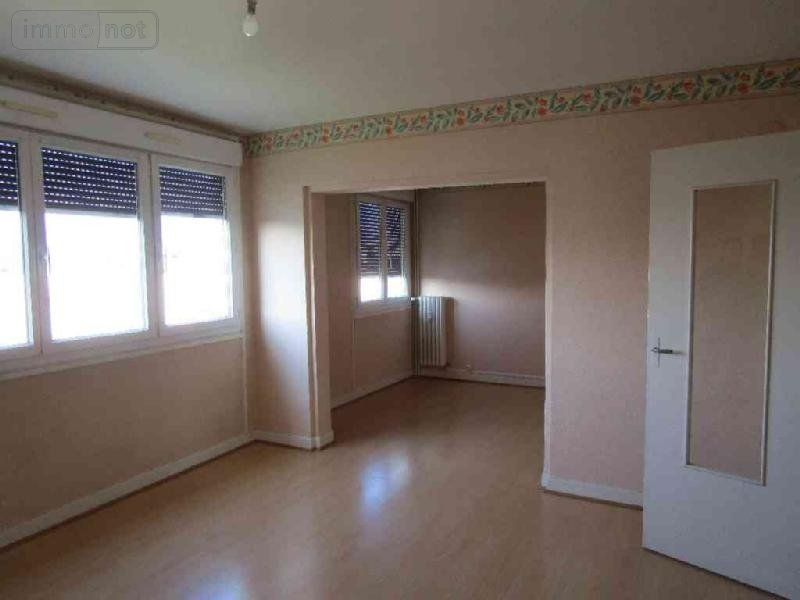 Location appartement ch lons en champagne 51000 marne 63 for Garage a louer chalons en champagne