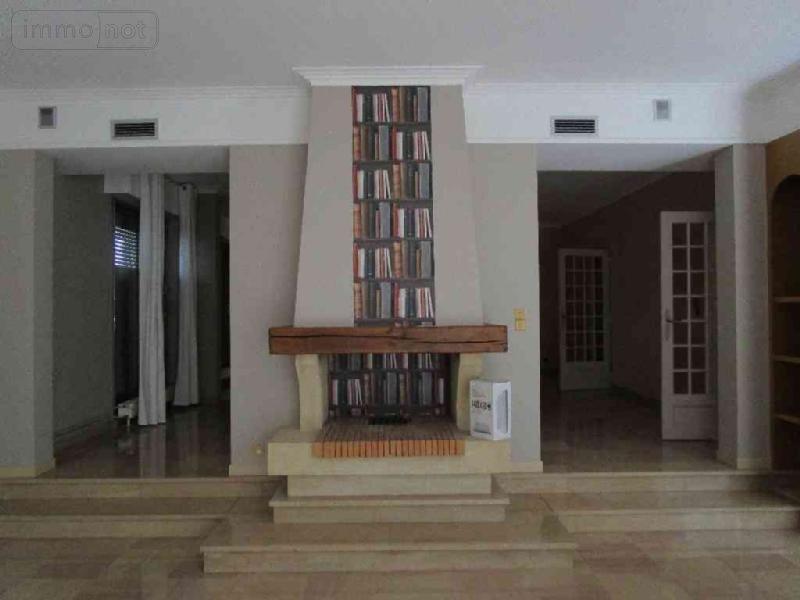 location appartement ch lons en champagne 51000 marne 249 m2 6 pi ces 1000 euros. Black Bedroom Furniture Sets. Home Design Ideas