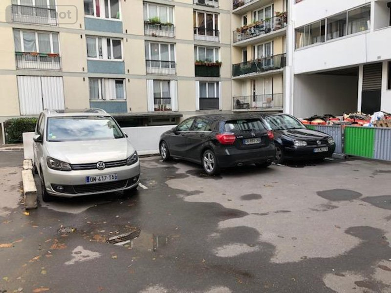 Garage parking vendre paris 11 12 m2 37520 euros for Garage automobile paris 12