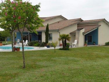 Maison à Vendre Ordan Larroque 32350 Gers 7 Pièces 190 M2 à 450000